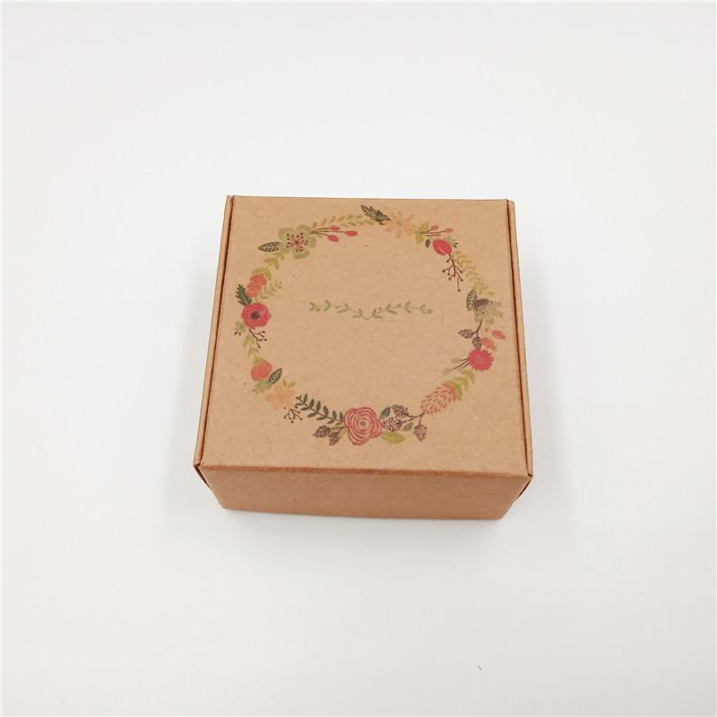 200Pcs/Lot 6.5x6.5x3cm New Hot Kraft Paper Card Box Printed Handmade Love Birds Lei Balloons For Pack Egg Tart Cupcake Macaron