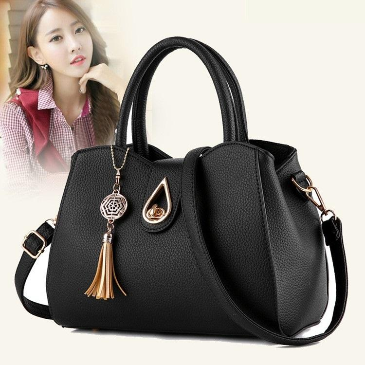 a159595c2db8 Free Shipping 2019 New Woman Handbags Trend Messenger Bag Simple Korean  Version Women Bag Fashion Tassel Ornaments Flap