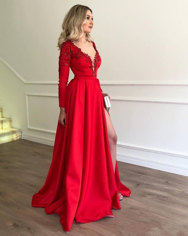 2020 New Sexy Evening Dresses Wear Long Sleeves Lace Appliques Beads Deep V Neck Floor Length Side Split Formal Prom Party Celebrity Dresses