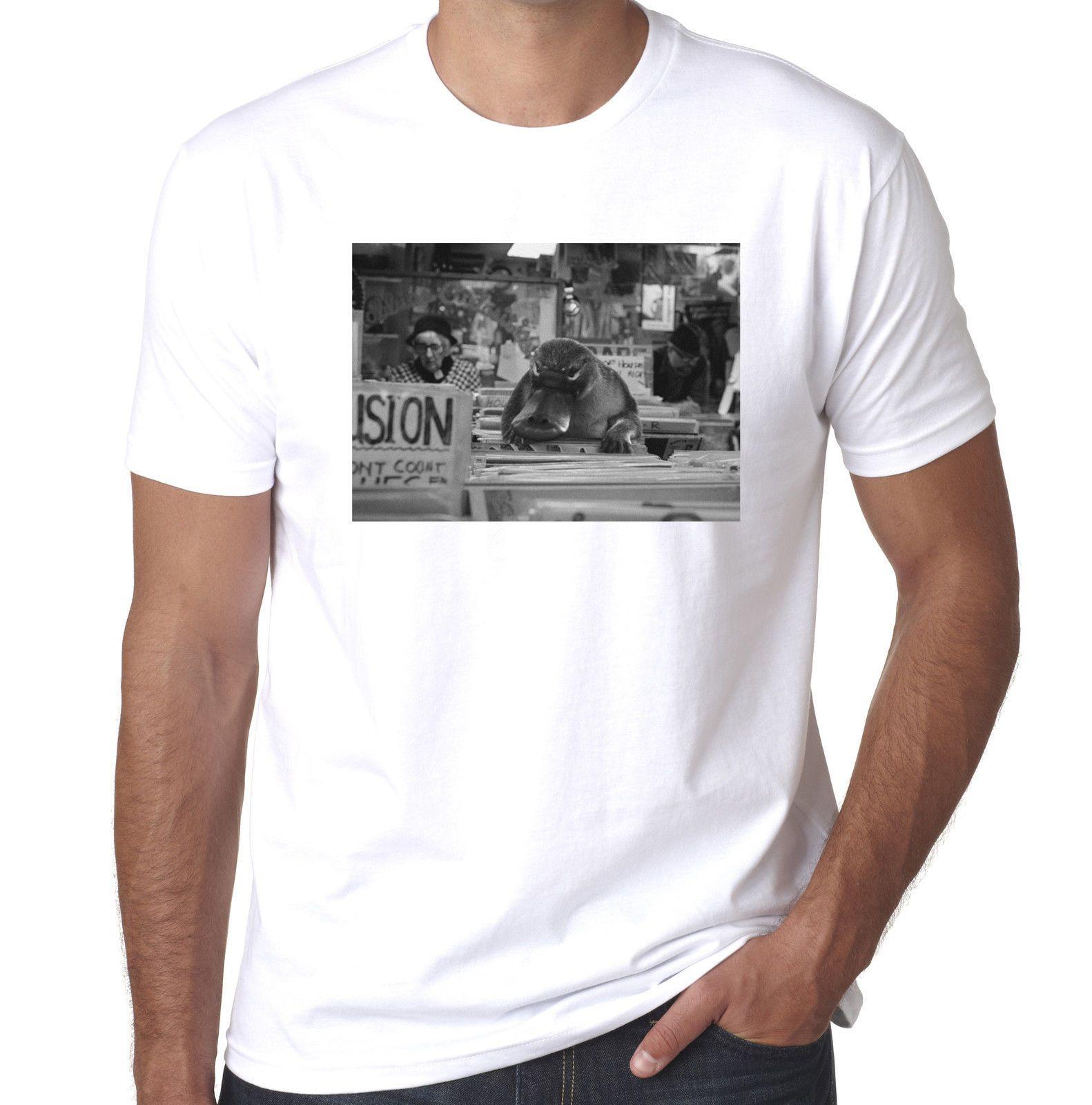 Duck Billed Platypus in record shop djing technics funny mens printed  tshirt 2018 New Brand Mens T Shirt Cotton Short Sleeve