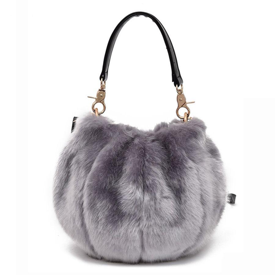 Round Winter Women Tote Faux Fur Women Handbags Plush Messenger Crossbody  Bag For Ladies Funny Designer Solid Color Shoulder Bag Designer Bags Ladies  ... f18c33ad5582c