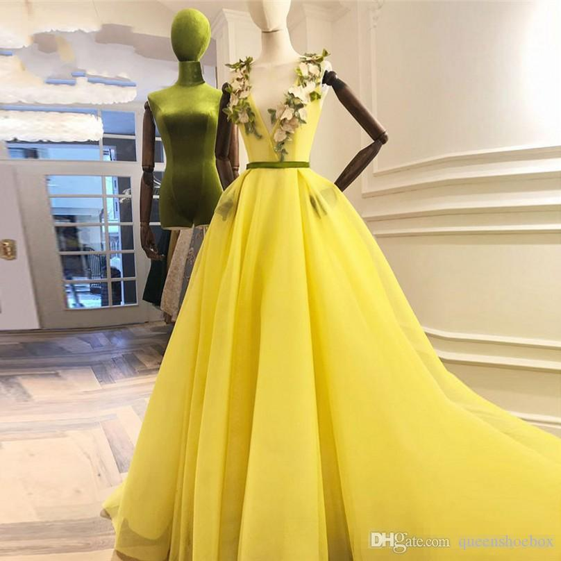 Yellow 3D Flower Prom Dresses With Sash Deep V-neck A-line Long Evening Gowns Pretty Prom Dress Vestido Longo Abendkleider
