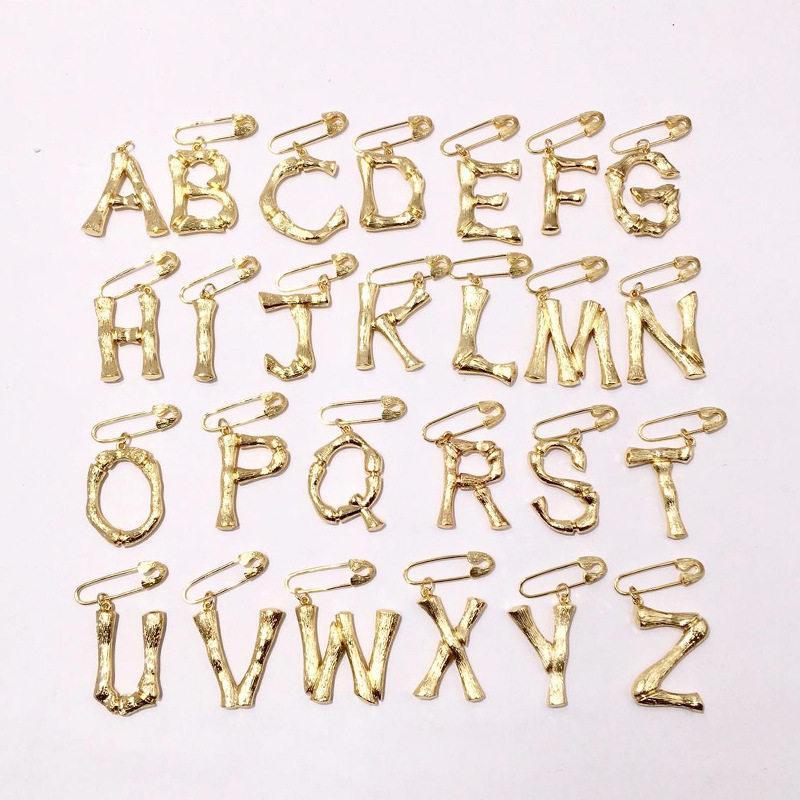 Fashion Letter Dangle Brooches Unisex Letter Design Brooch Luxury ... e1a519c83e31