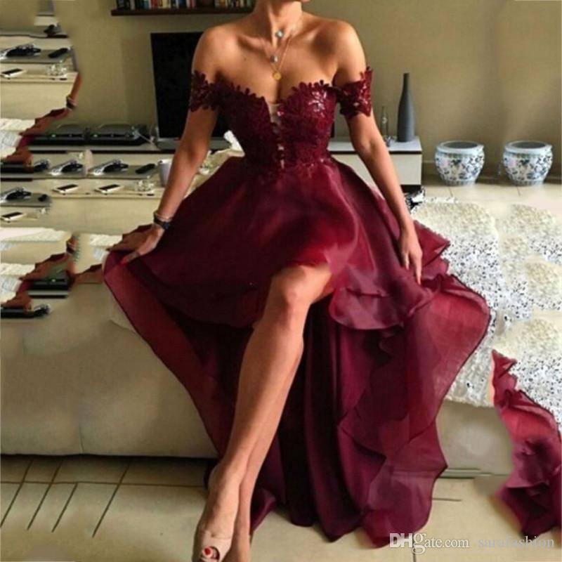Off the Shoulder Organza Alta Baixa Prom Dress 2020 Lace apliques Prom vestidos sem costas vestido de festa Burgundy