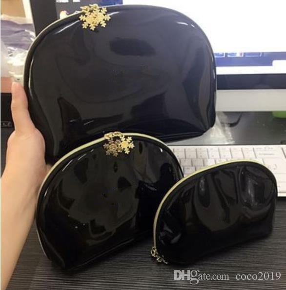 !New 2019 black classic CC symbol Snowflake 3pcs/Set cosmetic case makeup organizer bag beauty toiletry wash bag clutch purse tote VIP gift