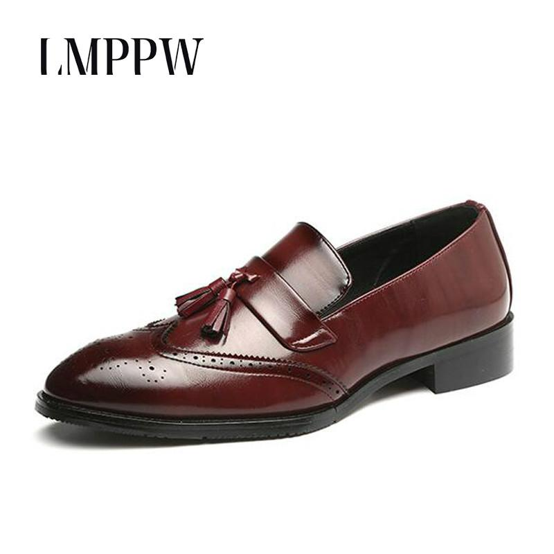 Gentleman s Shoes 2018 New Men s Business Casual Leather Shoes Fashion  Bullock Men Oxford Shoes Breathable Men Loafers Tassel Online with   88.58 Pair on ... 6b20ac224c4a