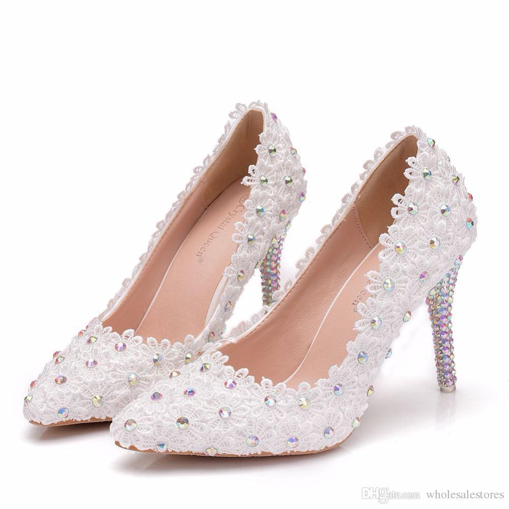 67fdc2fabb361 Compre Flores De Encaje Blanco Mujer Zapatos De Boda Zapatos De Novia  Zapatos De Vestir Tacones Finos Tacones Altos Para Damas Bombas Tamaño  Grande A  44.23 ...