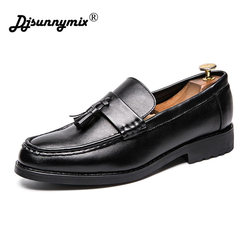 22d09c1be6 Compre DJSUNNYMIX Hombres Zapatos De Trabajo De Cuero Marca De Lujo Dedo  Del Pie Puntiagudo Elegante Calzado Masculino Vestido Zapatos Oxford Formal  Para ...