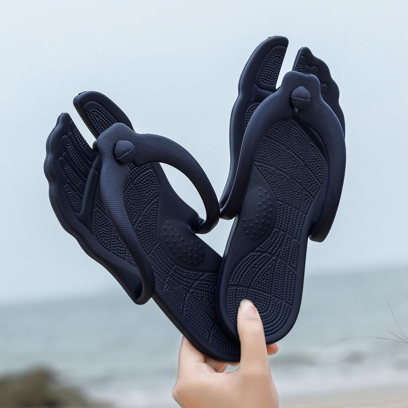 9c311c6bd8 Compre 2019 Novo Plus Size 35 46 Chinelos Masculinos Strange Toe Forma  Casal Flip Flops Massagem Do Banheiro Chinelos De Verão Sapatos De Praia De  Emmaj01