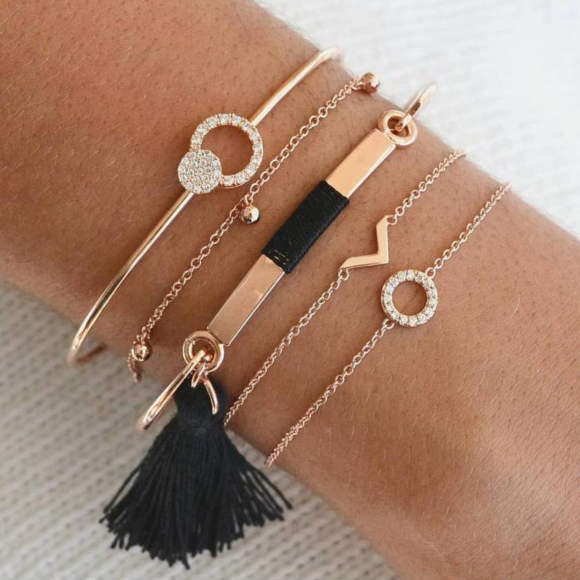 pretty Multilayer Bracelet Set 5Pcs/ Set Circle Full Drill V-Shaped Fringed Small Bell Bracelet Crystal Fashion Party Jewelry Charm Bracelet