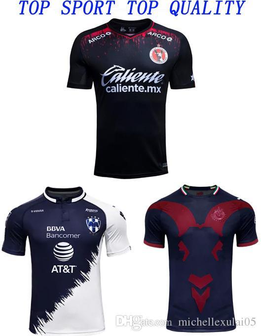 19 20 Camisetas De Tigres LIGA MX Clube Xolos De Tijuana Camiseta De Fútbol  2019 2020 Chivas De Guadalajara Tercera Camiseta Negra De Fútbol Por ... 64541ea8007c3