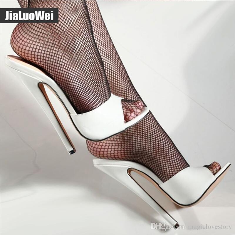 Compre 2019 Nuevo Verano Blanco Tacones Mujer Sandalias De Tacón Alto  Diapositivas Zapatos De Fiesta Para Mujer Zapatillas Sexy Peep Toe Para  Fotografía 18 ... e6cf50d7ffec
