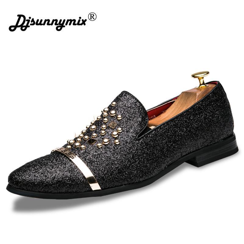 Acquista DJSUNNYMIX Brand Men Dress Shoes Nuovi Rivetti Moda Italiani Black  Siliver Men Scarpe Da Lavoro Da Ufficio Calzature Da Lavoro A  34.6 Dal  Ycqz4 ... 4afd1b75275