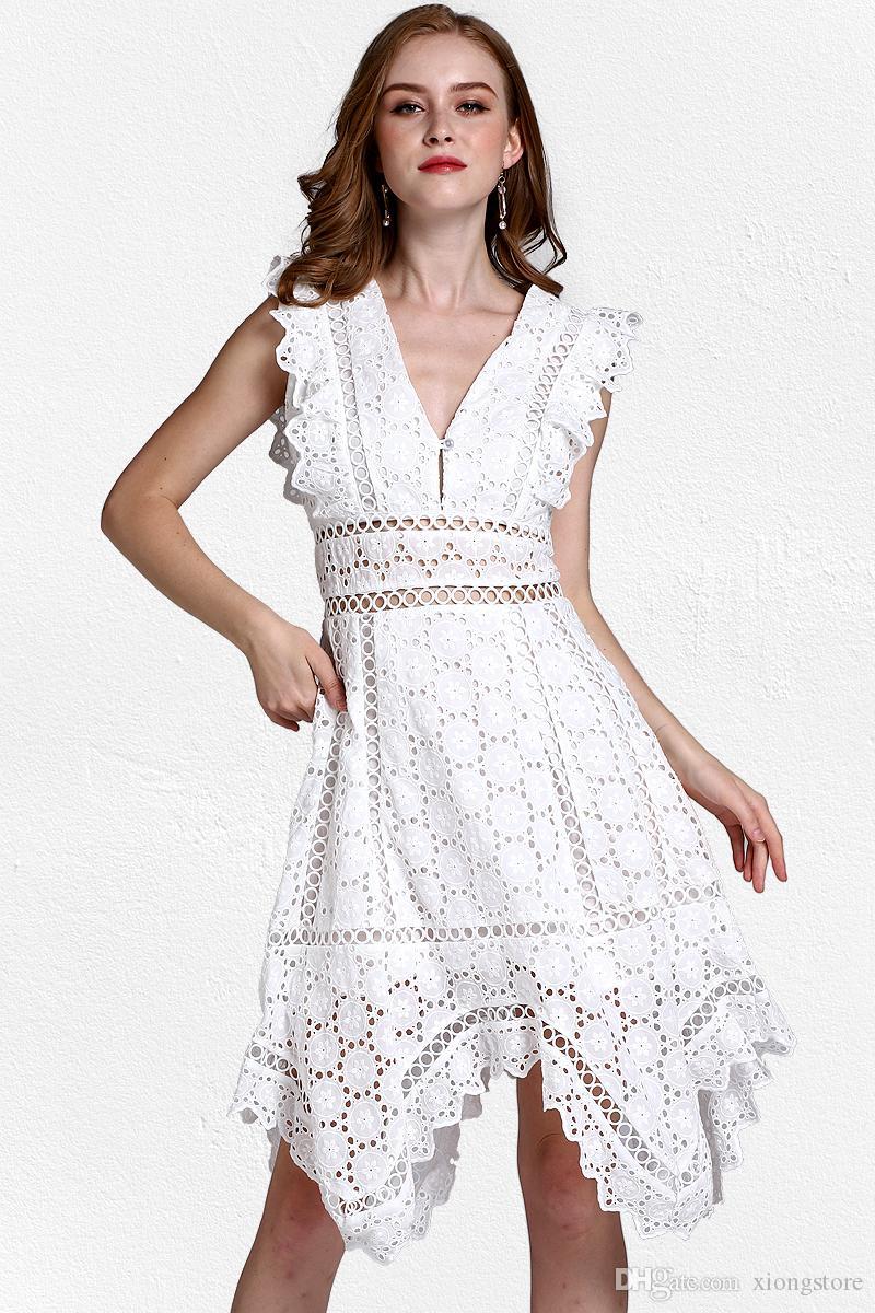 9bd0597d0dc 2019 кружева роскошные летние глубокий V-образным вырезом асимметричный Белый  сексуальная женщина платье выдалбливают Sleevless повседневная Holiday  Beach ...