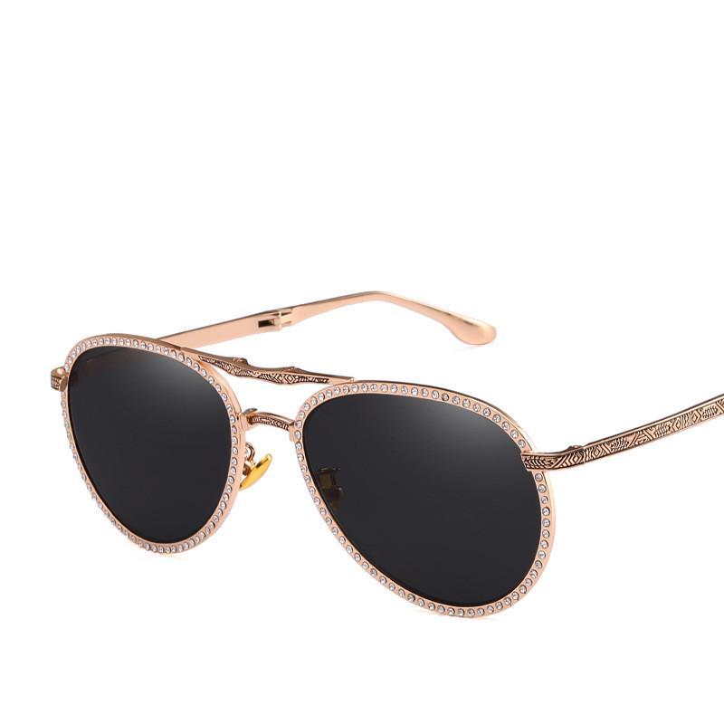 dca70105ba390 Compre 2019 Novo Luxo Dobrável Óculos De Sol De Boa Qualidade Armação De  Metal Óculos Retro Óculos De Proteção UV Moda Esculpida Eyewear Partido  Brilhante ...
