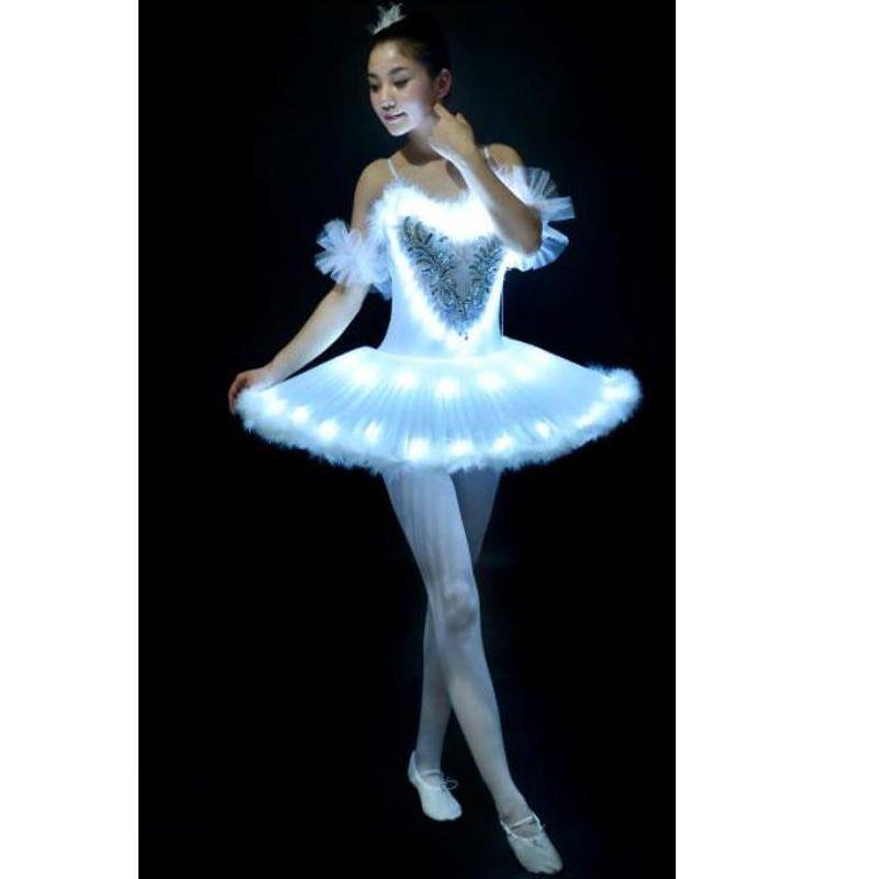 c2110b8efe Compre 12 Peças Tutu Ballet Led Swan Lago Adulto Menina Roupas De Balé  Panqueca Tutu Mulheres Vestido De Festa Para Crianças Trajes De Bailarina  De Vikey18