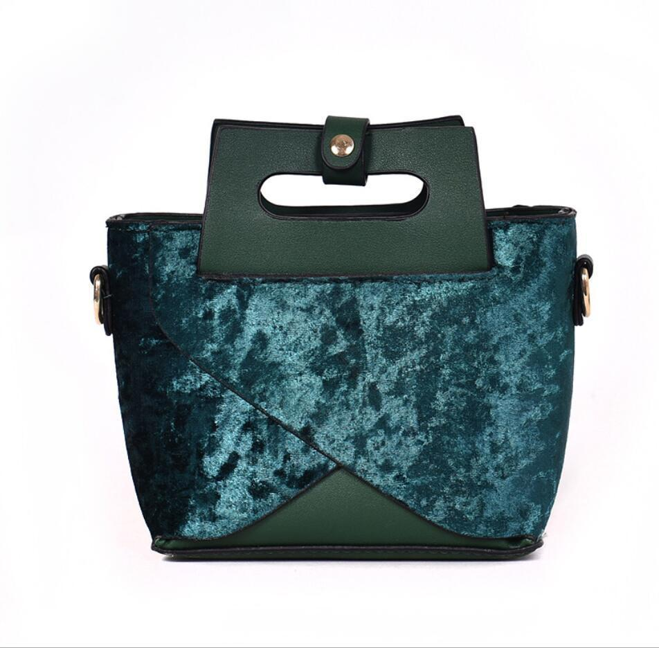 Vintage Fashion Lady Tote Bag 2019 Winter New High Quality Velvet Women's Designer Handbag Chain Shoulder Messenger Bag
