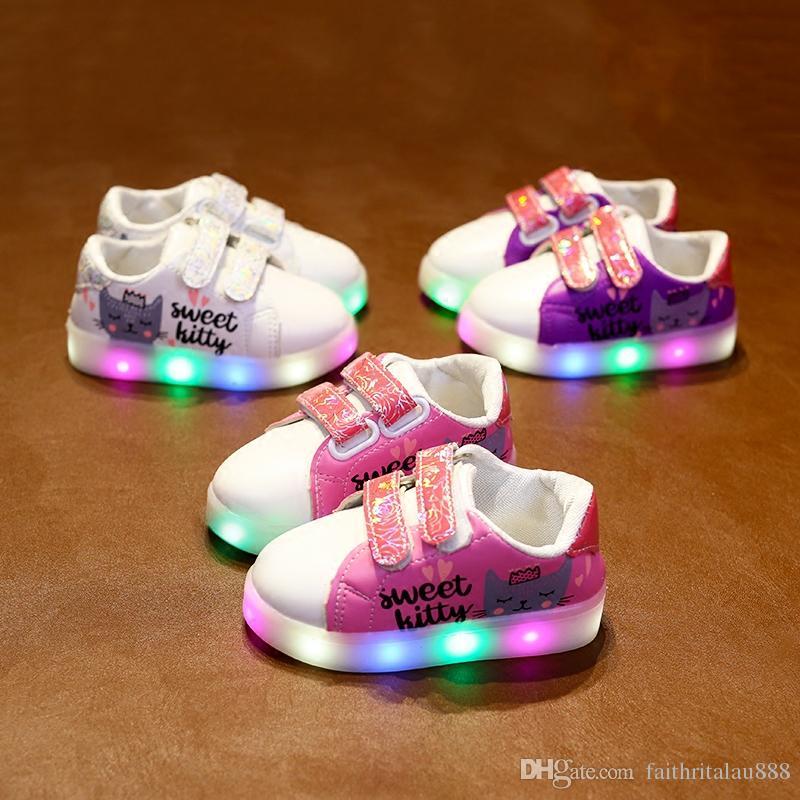 acaa98cedfaa27 Acheter En Gros Pas Cher Enfants Chaussures Filles Sweet Kitty Mode Casual  Led Lumière Chaussures Enfants Printemps Automne Caoutchouc PU Fille  Chaussures ...