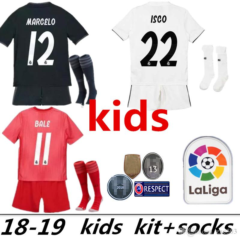 b91239924 Compre Kit Para Niños 2019 + Calcetines Camiseta De Fútbol Del Real Madrid  2018 Local Blanco Camiseta De Fútbol De Visitante Niño ISCO ASENSIO BALE  KROOS ...