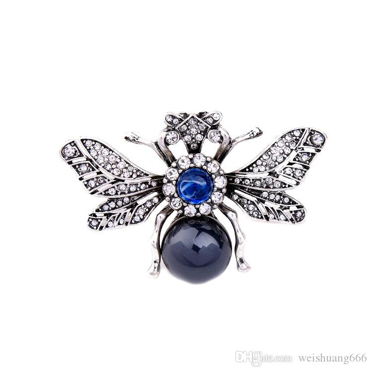 New trend designer European and American fashion jewelry retro brooch shiny rhinestone personality insect texture pin ladies accessorie