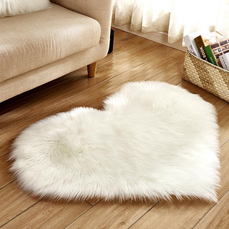 Soft Faux Fur Wool Living Room Sofa Carpet Plush Carpets Bedroom Cover Mattress Non Slip Floating Heart Shape Carpets Custom Carpets For Bedroom
