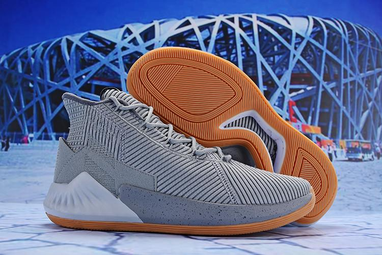 7597ed7bb9c0 2019 2018 D Rose 9 White Gold Men S Basketball Shoes Man Top Quality Derrick  Rose Shoes 9 Sports Sneakers Designer Shoes Size 40 46 From Lucknewkiss