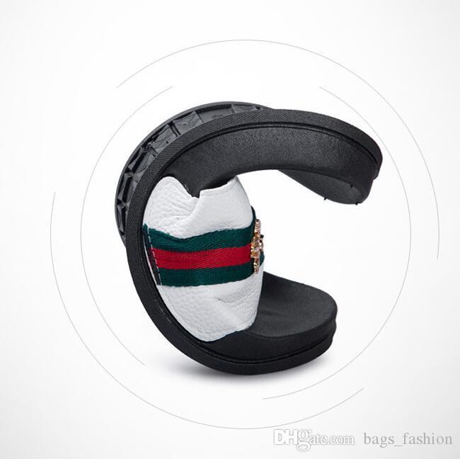 Designer Men Slippers Casual Black And White Retro Shoes Non-slip Slides Bathroom Summer Sandals Soft Sole Flip Flops Man