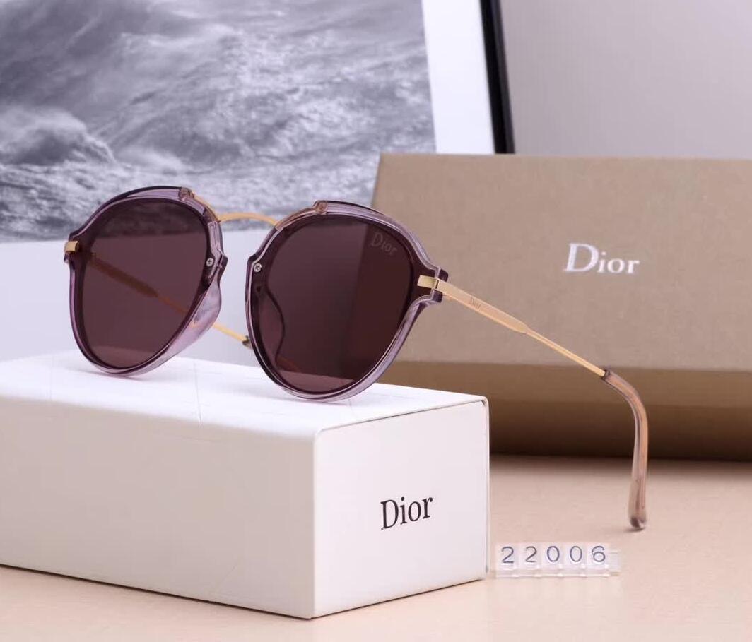 2f3835154f Compre 2019 Gafas De Sol De Moda Gafas Retro De Moda Para Mujer UV400 Ojo  De Gato Gafas De Sol Para Hombres Caja De Metal Cinturón De Metal A $19.85  Del ...