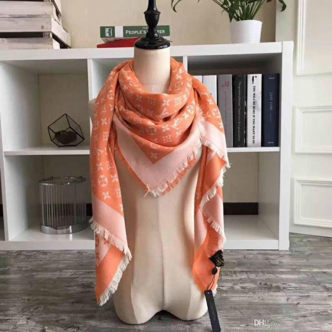 Famous Brand Fashion Twill Square Scarf For Men 100% Brand New Hot Design Men Scarf 2018 New Style Letter Flower Square Cotton Woman Scarf