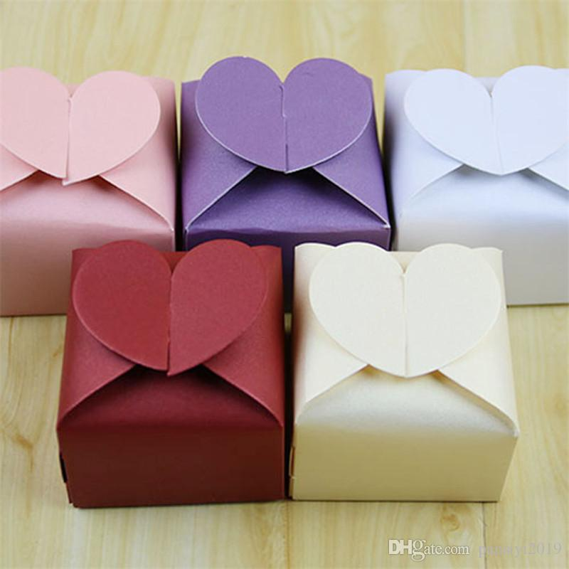 100pcs/lot Classic Heart Shaped Pearl Paper Candy Box Love Heart Candy Box Pink Purple White Red Wedding Party Favors Candy Gifts Boxes