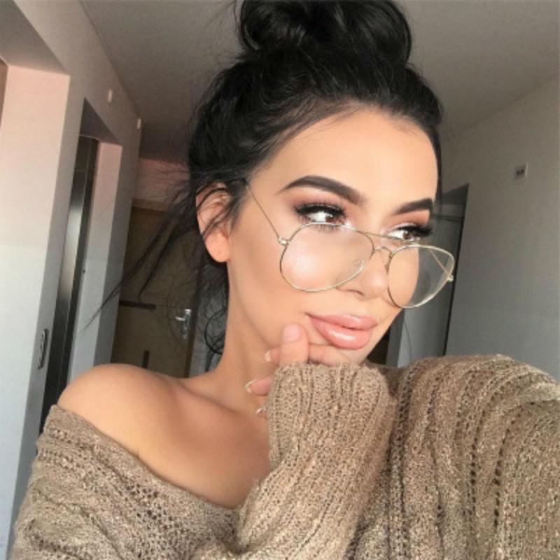 9e738710845 2019 Hot Classic Clear Glasses Gold Frame Vintage Sunglass Women Men  Optical Aviation Eyeglasses Transparent Clear Oculos De Grau C18122501 From  Shen84