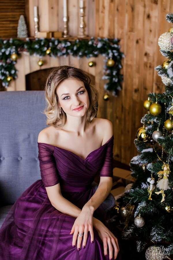 41c6e3b3c083 Beauty-emily largo púrpura rojo gris vestidos de noche 2019 una línea fuera  del hombro media manga Vestido Da Dama De Honra Y190525