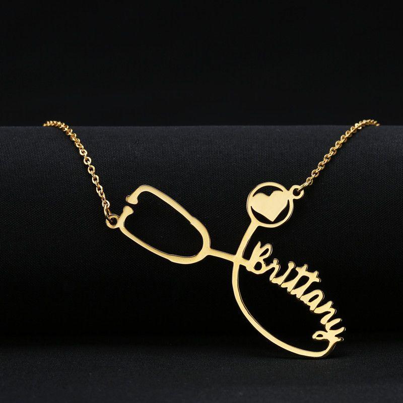 b17195e90dc Compre Hombres Cadena De Oro Enfermera Nombre Personalizado Collar  Estetoscopio Grabado Collar Colgantes Regalo Personalizado Nombre  Personalizado Erkek ...