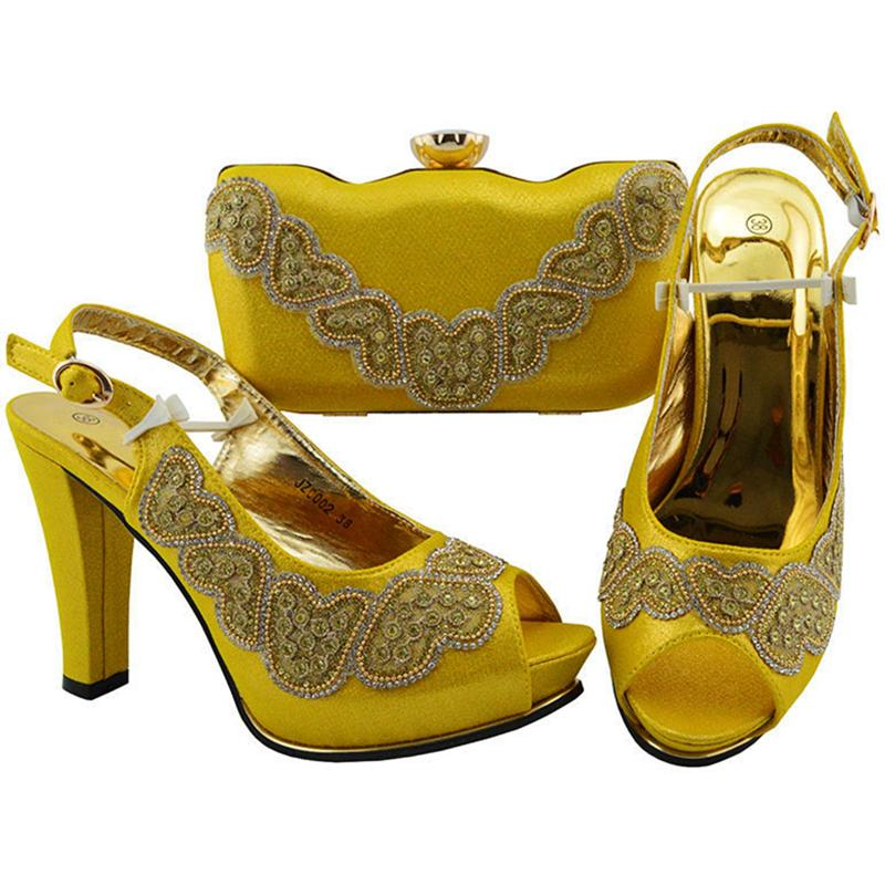 3a55a1e39aad New Italian Designer Shoes And Bags Matching Set Decorated With Rhinestone  Women Shoes And Bag Set In Italy Slip On Party Pumps Suede Shoes Pumps Shoes  From ...