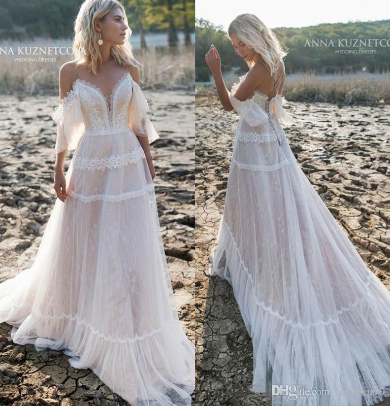 2019 Bohemian Wedding Dresses Off Shoulder A Line Lace Appliqued Boho Wedding Dress Backless Plus Size Beach Bridal Gowns