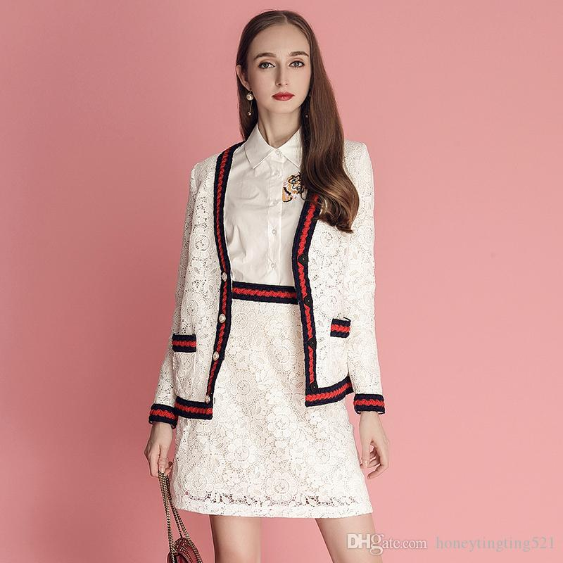 b83873104 Nuevo diseño mujer primavera verano 2019 moda con cuello en v encaje  crochet floral bloque de color corto abrigo y una línea corta falda twinset  ...