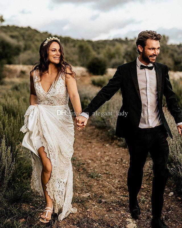 Vintage Bohemian Beach Wedding Dresses 2019 Sexy V-neck Full Lace Flowy Skirt vestido de noiva Country Bridal Gowns Cheap