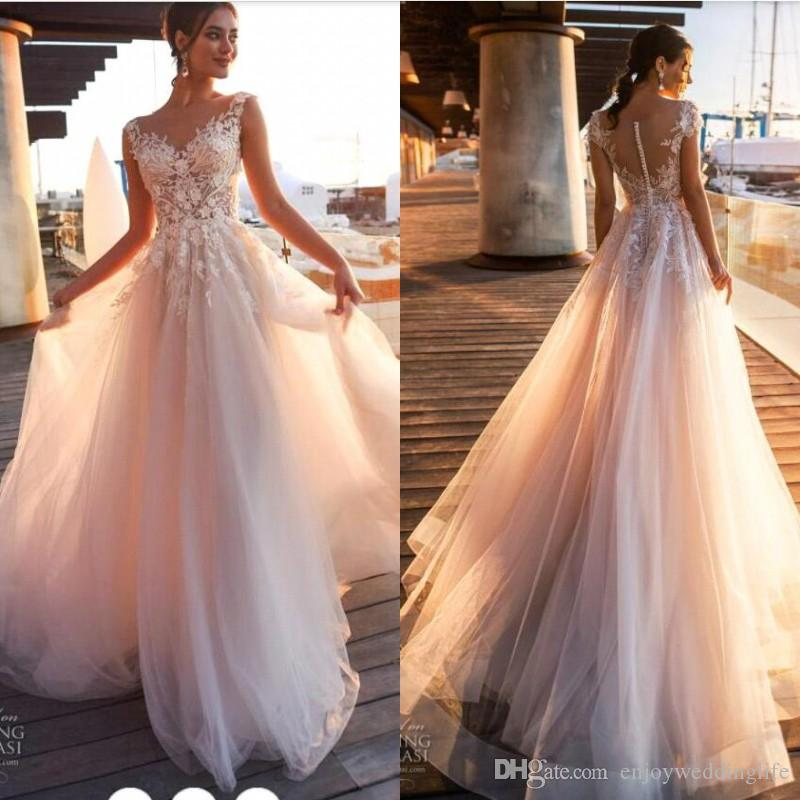 2020 Beach Country Lace Appliques A Line Wedding Dresses Sheer Scoop Neck Tulle Covered Button Tulle Long Bridal Wedding Gowns BA9808