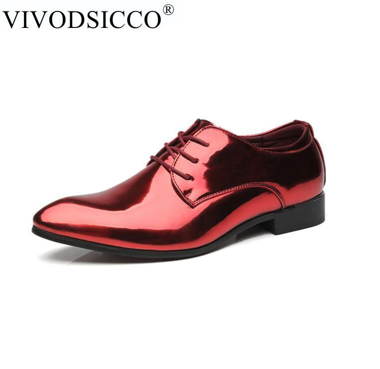 0d56fc17e Compre VIVODSICCO Moda Homens Sapatos De Escritório Homens Sapatos De Couro  De Patente Brilhante Sapato Sapato Masculino De Couro Macio Sapato Oxford  De ...