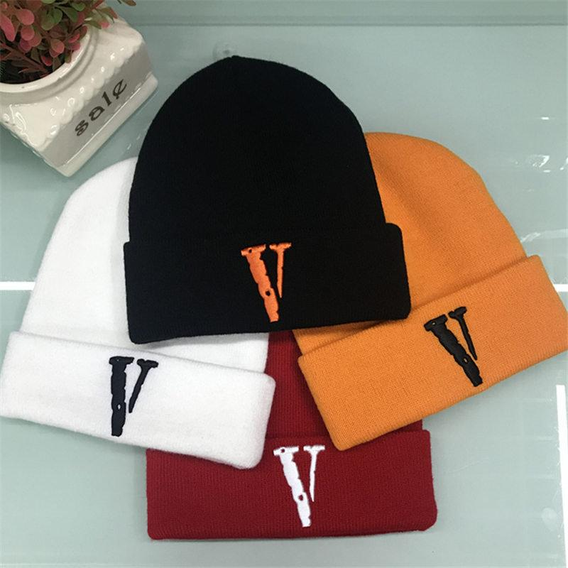 457e01138e5 Fashion Design Unisex Caps Brands Embroidery Beanies Men Women Luxury Casual  Hats Winter Knit Cap Hip Hop Hat Gorros Touca De Inverno Knitted Hats Knit  Cap ...