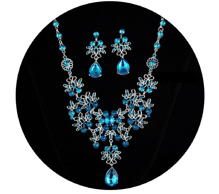 2c662897c5 Bridal Austrian Crystal Necklace and Earrings Jewelry Set Gifts fit with Wedding  Dress