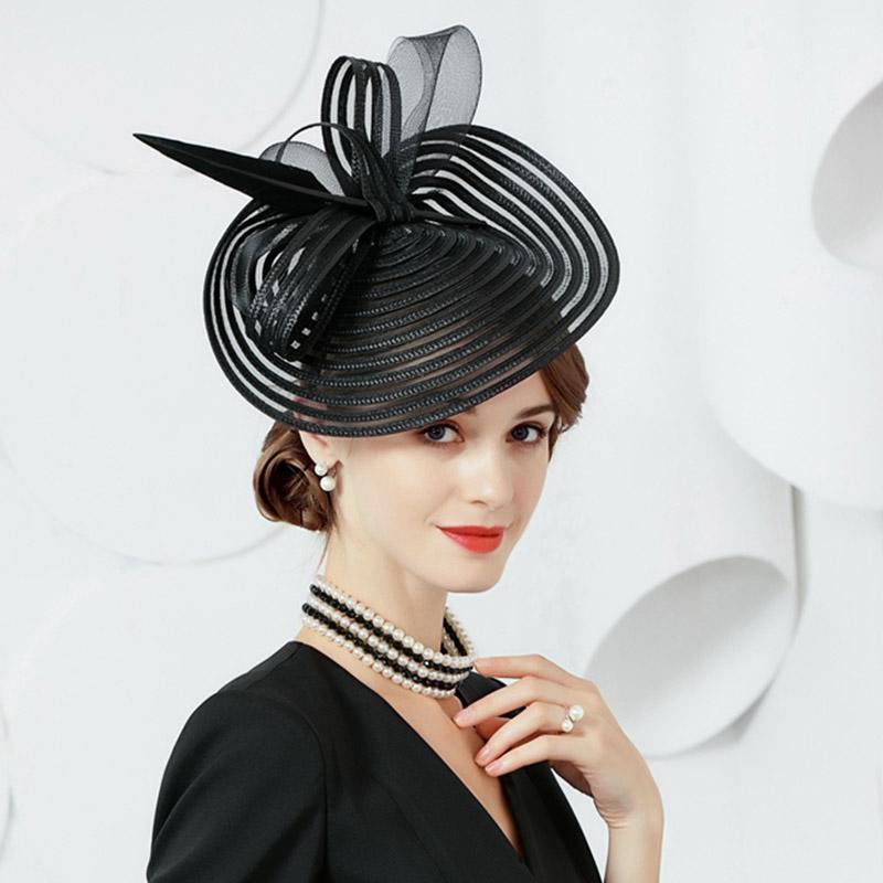 Compre Señoras Elegantes Fascinators Race Kentucky Derby Boda Mujer  Sombreros Cóctel Tocado Con Flor De Satén Pluma Sombreros A  117.87 Del  Dianbead ... a7ce543089c8