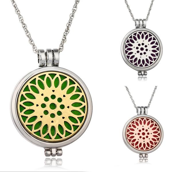 Creative Luminous Glow In the Dark Hollow Sunflower Locket Pendant Necklace Essential Oils Diffuser Necklaces Aromatherapy Jewelry B424Q F