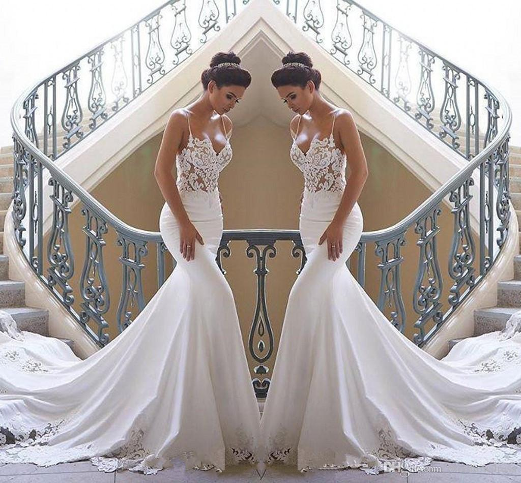 2019 Spaghetti Straps Lace Mermaid Beach Wedding Dresses Satin Lace Applique Sweep Train Boho Wedding Bridal Gowns robes de mariée BC0190