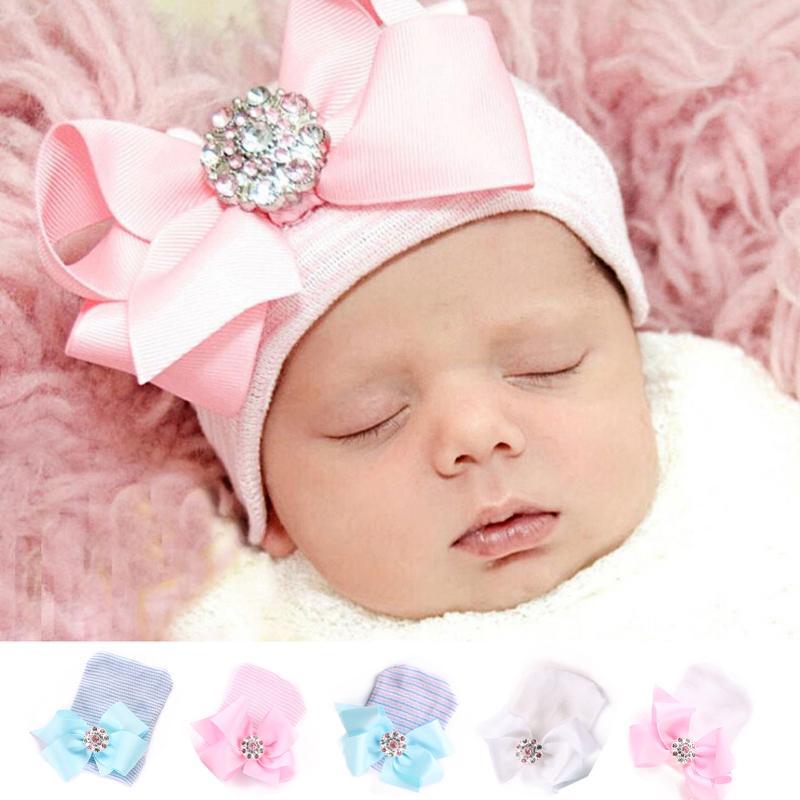 Compre Gorra De Rayas De Arco Recién Nacido Sombrero De Gorro De Punto Para  Niños Invierno Lindo Ellesse Niño Niña Caps Pink Pink Nudo De Punto Sombrero  De ... 72a96aa2c76