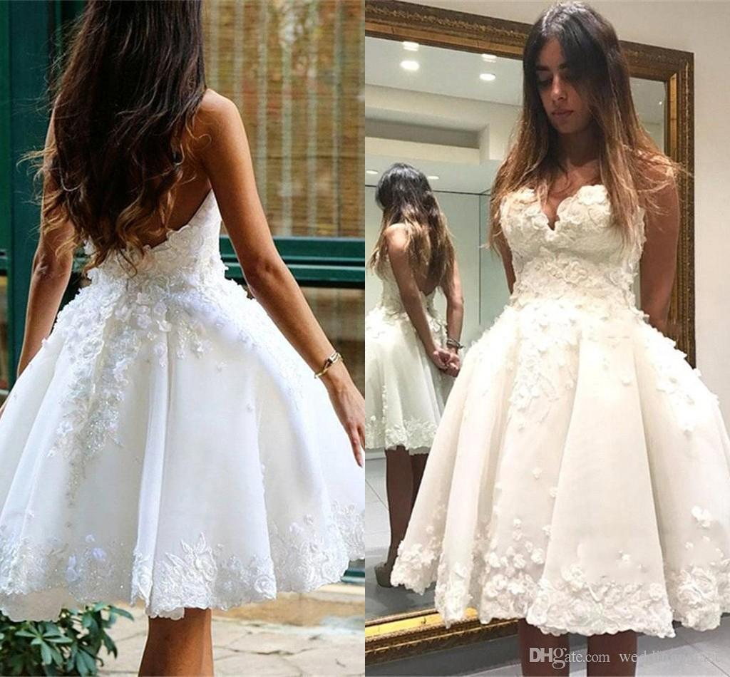 Discount Sweetheart A Line Short Wedding Dresses With Lace Petals
