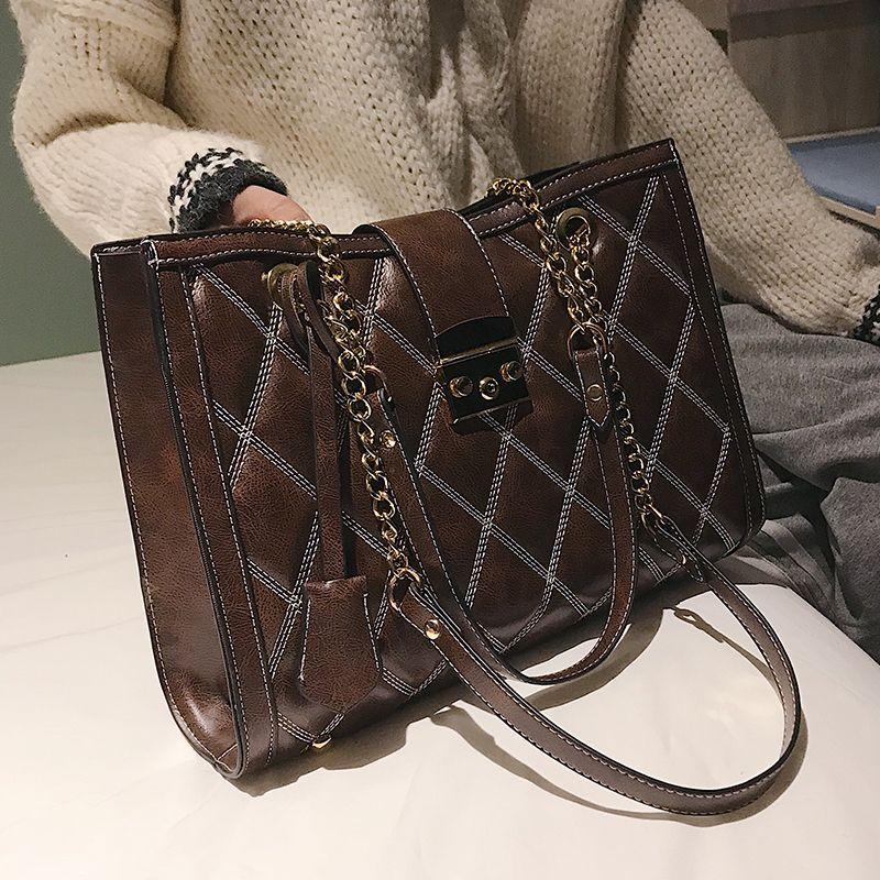 fcebb6c237d Retro Fashion Female Big Tote Bag 2019 New Quality Pu Leather Women's  Handbag Lattice Lock Chain Large Shoulder Messenger Bags