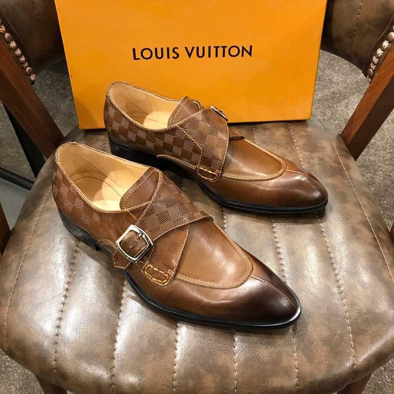 2d748ae0e Compre Mens Sapatos Formais Sapatos De Couro Genuíno Oxford Para Homens  Preto 2019 Vestido De Casamento Laços De Negócios De Couro Brogues Sapatos  De ...