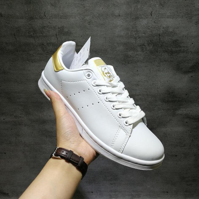 2018 Smith Casual shoes Smiths Spring Copper White Pink Black Fashion Man Leather brand woman man shoes Flats Sneakers 19.