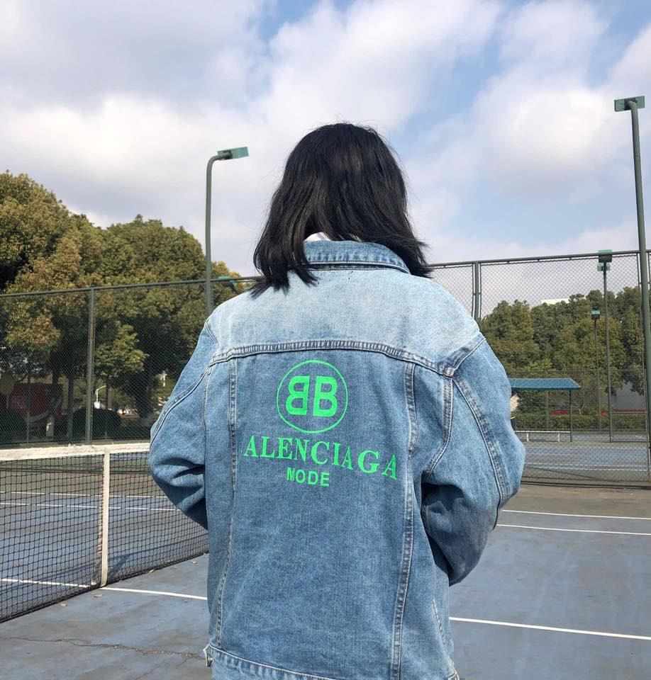 4d1740f8a96 Women Denim Jacket Fashion Trend Brand Casual Jean Jacket Behind Letters  Printing Atmosphere High Quality Denim Fabric Hot Jackets Lovers Long  Jackets ...